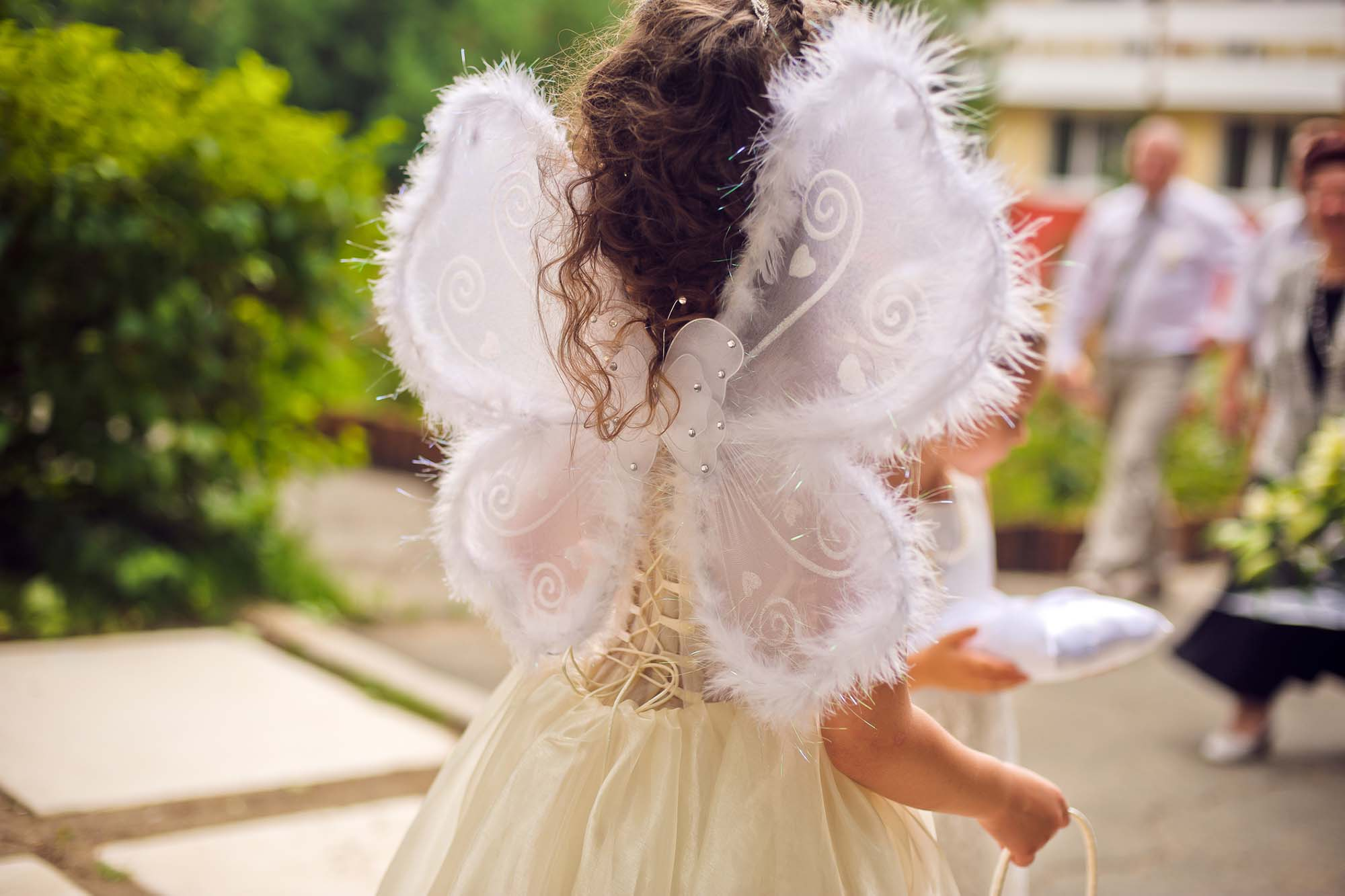 girl with angle wings